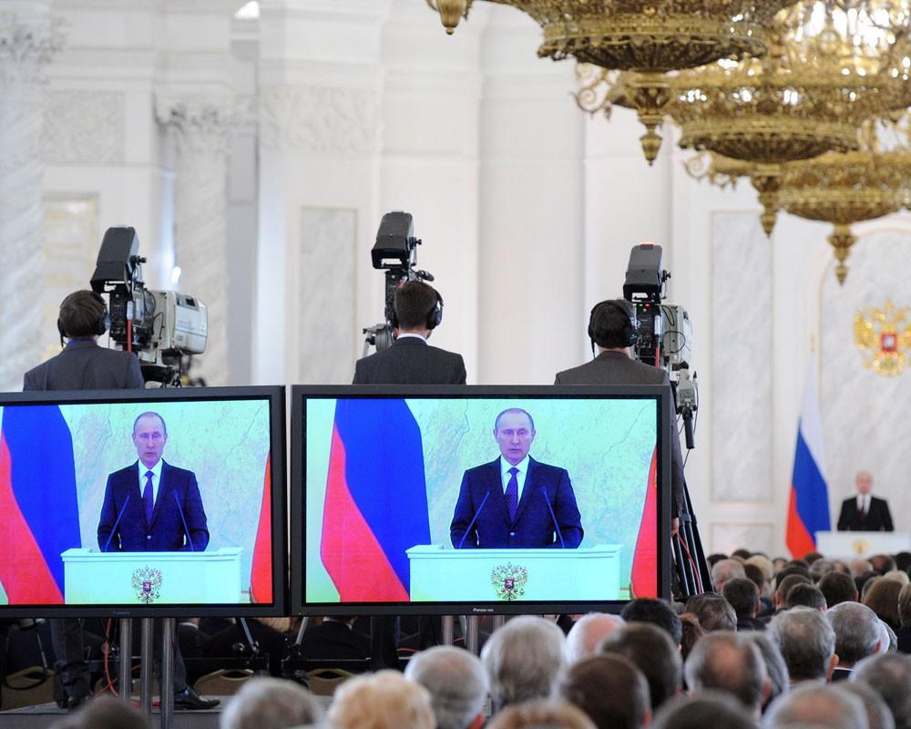 У В. Путина хотят заменить выборы референдумом одоверии лидеру